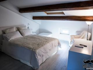 Nice 4 bedroom Chieti B&B with Internet Access - Chieti vacation rentals