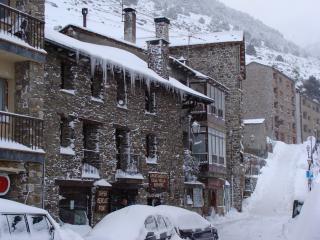 Nice 7 bedroom Ski chalet in Soldeu with DVD Player - Soldeu vacation rentals