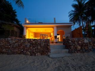 Absolute Beachfront Bang Por - Koh Samui vacation rentals