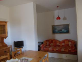 Nice Condo with Deck and Toaster - Montalto di Castro vacation rentals