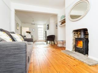 Perfect 3 bedroom Cottage in Whitstable with Internet Access - Whitstable vacation rentals