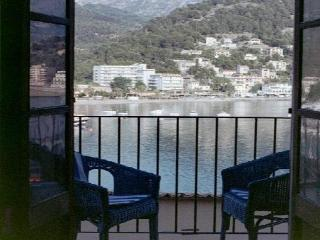 Beautiful 2 bedroom Townhouse in Port de Soller with A/C - Port de Soller vacation rentals