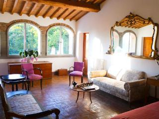 Tuscan Retreat - Montegonzi vacation rentals