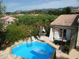 CHARMANTE MAISON PROX  AJACCIO pour 5 personnes - Ajaccio vacation rentals