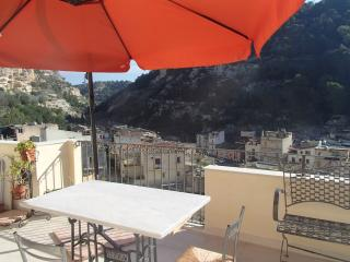 2 bedroom House with Internet Access in Scicli - Scicli vacation rentals