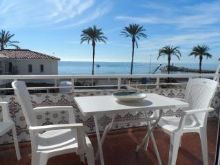 Lovely Condo with Internet Access and A/C - Caleta De Velez vacation rentals