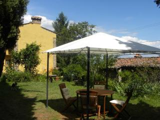 Nice 2 bedroom Farmhouse Barn in Buti - Buti vacation rentals