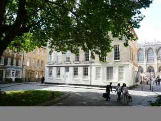 Abbey Flat 7027 - Bath vacation rentals