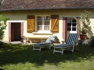 2 bedroom Gite with Internet Access in Jumilhac-le-Grand - Jumilhac-le-Grand vacation rentals