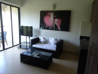 2 bedroom Condo with Internet Access in Assagao - Assagao vacation rentals