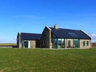 Comfortable 4 bedroom Belmullet House with Internet Access - Belmullet vacation rentals