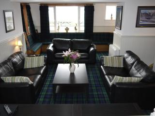 Adorable 4 bedroom Guest house in Lochcarron with Internet Access - Lochcarron vacation rentals