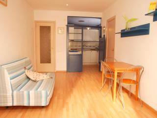 EVA: 1 Minute to Beach- Cozy & WIFI - Sitges vacation rentals