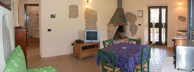 Gorgeous 1 bedroom Villa in Tarano - Tarano vacation rentals