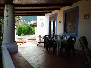 Cozy 3 bedroom Vacation Rental in Malfa - Malfa vacation rentals