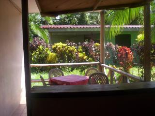 Bright Cahuita vacation House with Internet Access - Cahuita vacation rentals