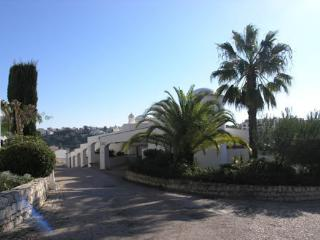 Traditional 2 bed Townhouse - Carvoeiro vacation rentals