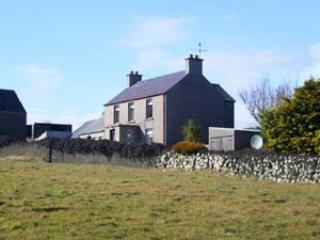 3 bedroom Farmhouse Barn with Television in Kilkeel - Kilkeel vacation rentals