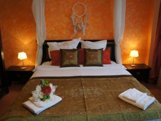 Luxury 2 bedrs, next Cismigiu - Bucharest vacation rentals