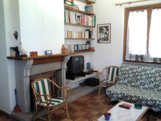 Cozy 3 bedroom House in Aglientu - Aglientu vacation rentals