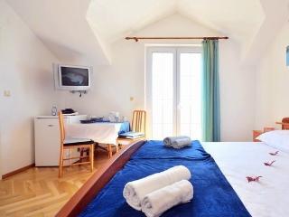 Bol Regina Apartments - Room A - Bol vacation rentals