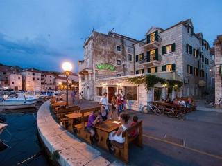 Vila Slika, NEDA - Cove Makarac (Milna) vacation rentals