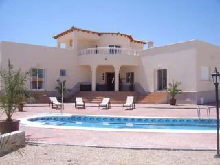 Beautiful 3 bedroom Murcia Villa with Internet Access - Murcia vacation rentals