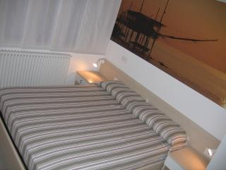 Cozy 2 bedroom Chieti Bed and Breakfast with Deck - Chieti vacation rentals