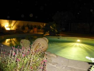 Villa provencale à 10 mn d'Aix - Ventabren vacation rentals