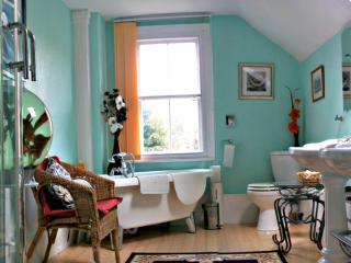 Prysgoed B&B. Between the Mountains and the Sea - Fairbourne vacation rentals