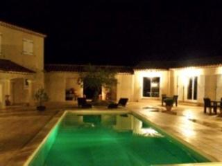 Nice Gite with Internet Access and Dishwasher - Cairanne vacation rentals