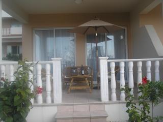 Comfortable 3 bedroom Kissonerga Apartment with A/C - Kissonerga vacation rentals