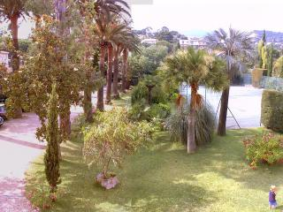 Bright 4 bedroom Cavalaire-Sur-Mer Apartment with Dishwasher - Cavalaire-Sur-Mer vacation rentals