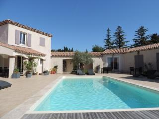 Nice Gite with Internet Access and A/C - Cairanne vacation rentals