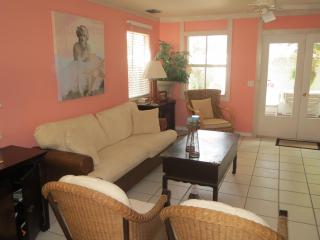 Bright Condo with Garage and Shared Outdoor Pool - Key West vacation rentals