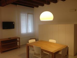 Amazing flat for 2 near Rialto - City of Venice vacation rentals