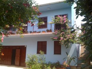 Apartment in villa,  pool, garden, near sea, blue - Diklo vacation rentals