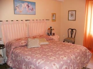 Cozy 2 bedroom Bed and Breakfast in Penne - Penne vacation rentals