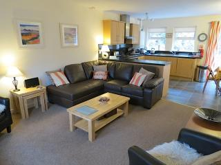 Perfect 3 bedroom Cottage in Tarbet - Tarbet vacation rentals