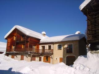 Le Chalet du Montagnard - Le Chamois - Molines-en-Queyras vacation rentals