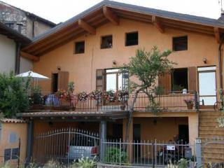 Nice 2 bedroom Apartment in Salò - Salò vacation rentals