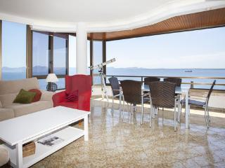 Wonderful Penthouse with Internet Access and A/C - Alcudia vacation rentals