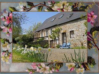 Farmhouse gite near Tinchebray, sleeps 2 - Flers vacation rentals
