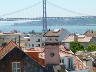 Comfortable Penthouse with Internet Access and Dishwasher - Belem vacation rentals