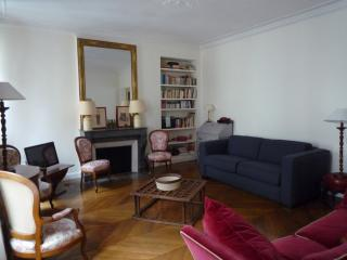 VERNEUIL CHIC - Paris vacation rentals