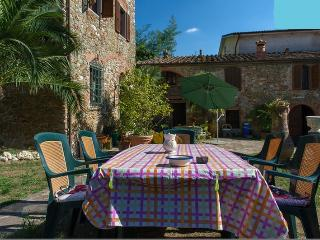 Vacation Home Tuscany Filettole 1 - Vecchiano vacation rentals