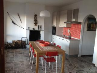 Nice 2 bedroom Apartment in Germasino - Germasino vacation rentals