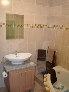 Nice Chalet with Short Breaks Allowed and Kettle - Clarens vacation rentals
