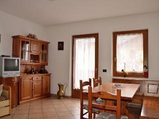 Cozy 2 bedroom Condo in Sant'Antonio di Mavignola - Sant'Antonio di Mavignola vacation rentals