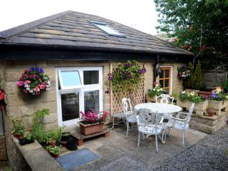 Beautiful Cottage with Short Breaks Allowed and Kettle - Harrogate vacation rentals